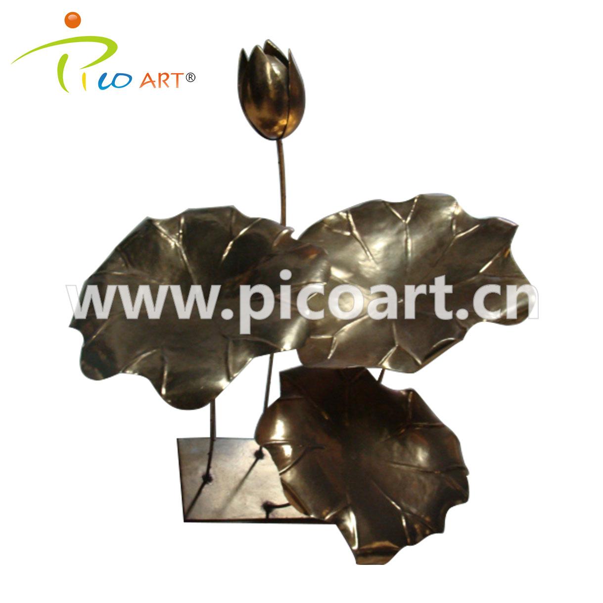 Lotus Cast Iron Steel Scrap Artwork Sculptures for Indoor Decorative Furnishing