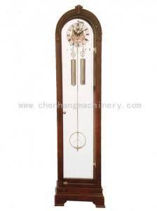 Perspective floor clock CH132