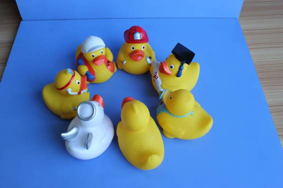 Plastic animal Yellow duck toy / baby bath toy