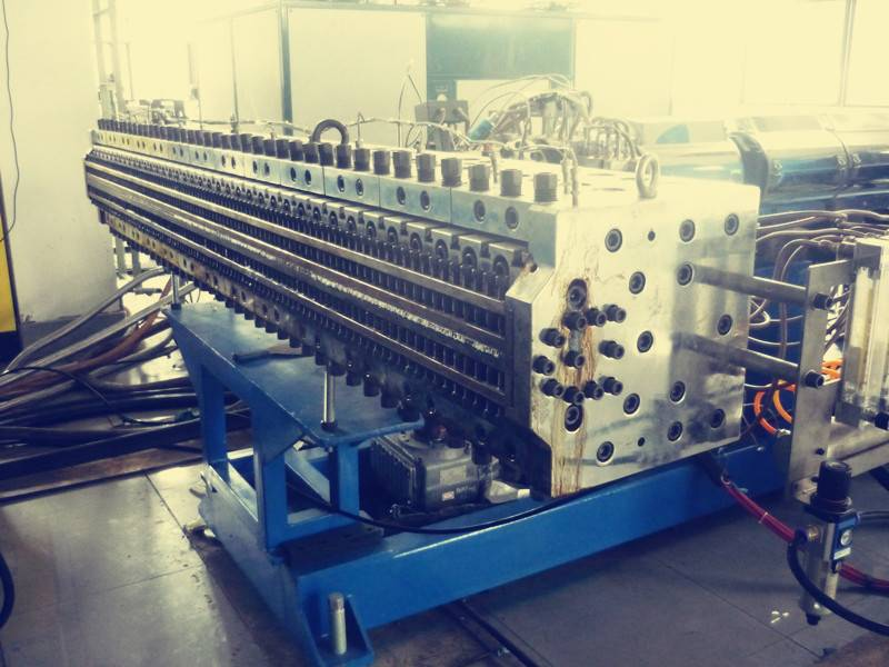 PC,PP,PE hollow profile sheet extrusion machine