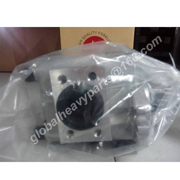 Forklift Hydraulic Gear Pump 15787-10501 For TCM FD50-70Z7