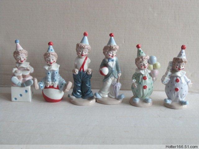Ceramic Clown figurines, nativity sets, religious crafts, Souvenirs