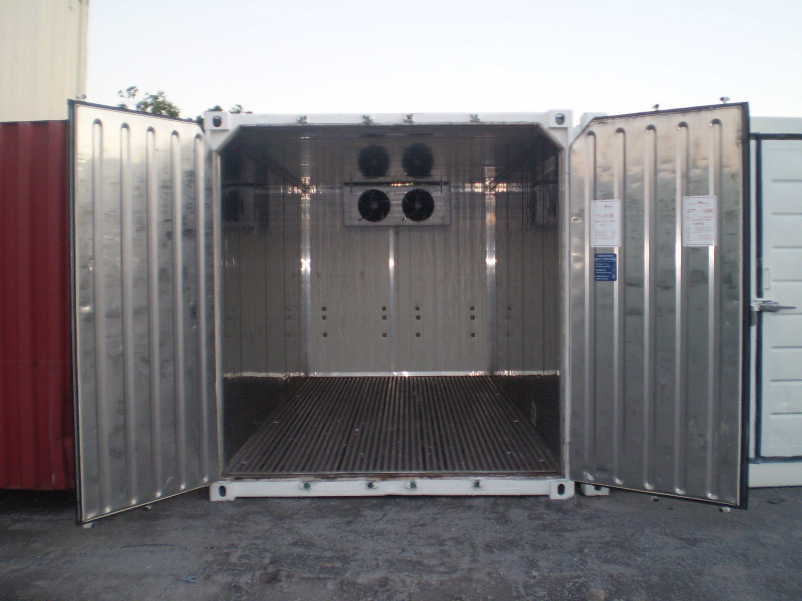 20' and 40' None Refrigerated Container - Price to mve from Budapest