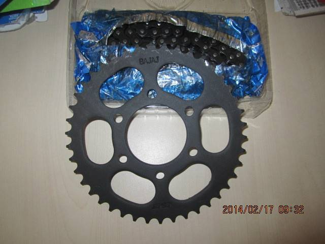 A class bajaj chain and sprocket for motorcycle