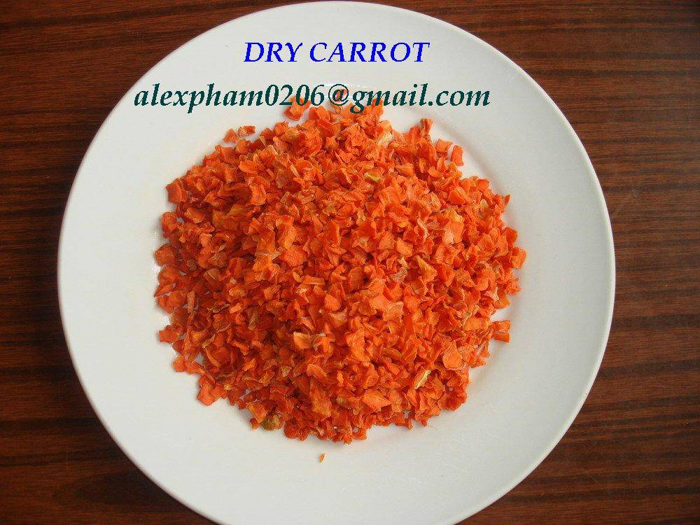 CARROT/ DRY CARROT SLICES/ CARROT POWDER/ DEHYDRATED CARROT FLAKES/ dry vegetables