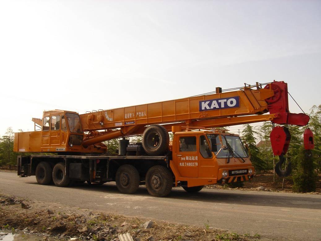 Used KATO NK-400E Truck Crane