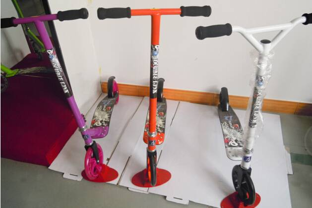 2015 new perfect shockproof flexible adult scooter