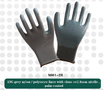 13G nylonliner with close cell foam nitrile working safety gloves
