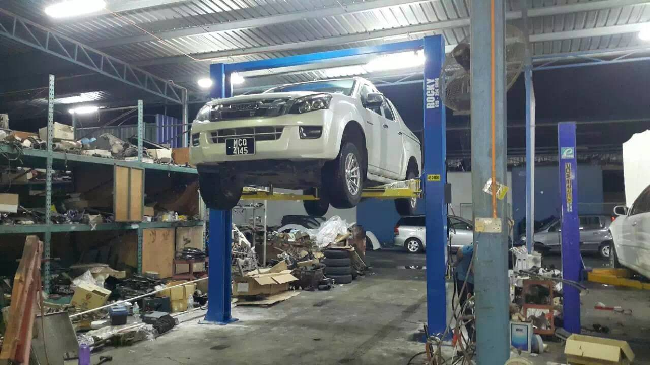 YinLee TPL-3000MM Two Post Car Lift