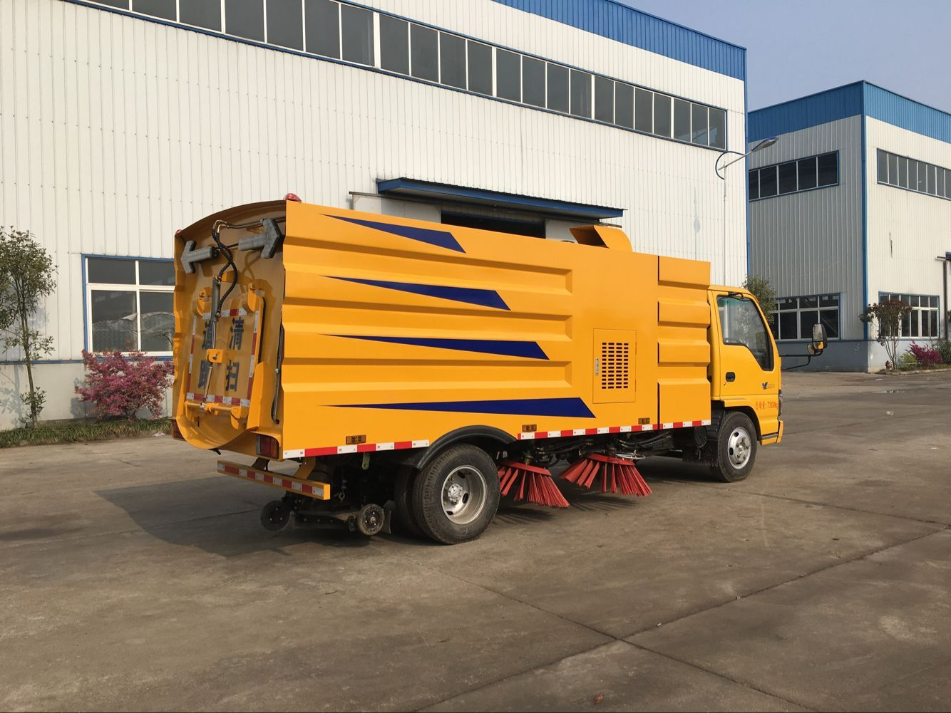 Dongfeng road sweeper truck / street sweeper truck/ road sweeper/ HOWO sweeper / ISUZU road sweeper