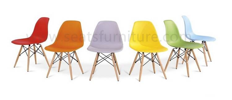 Moulded Plastic Folding Chairs LS-208