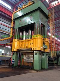 forging hydraulic press with manipulator