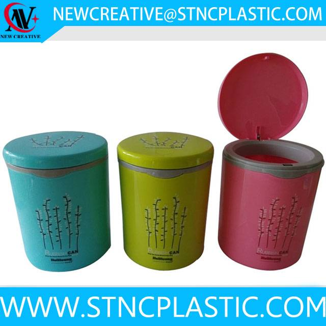 small plastic trash can for car with flip lid