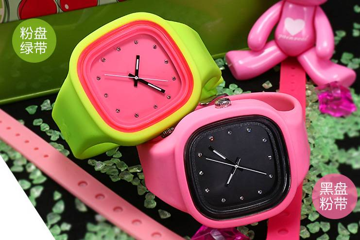 2016 modern newest luminous wholesale silincone wristwatch
