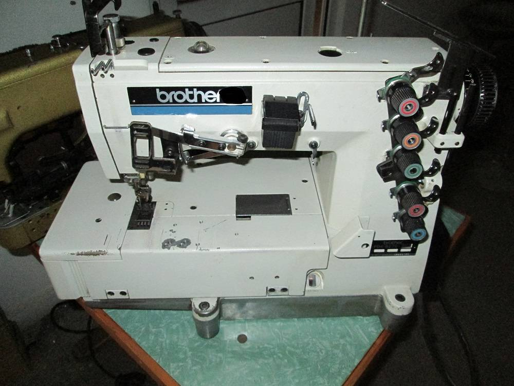SEWING MACHINE-BROTHER  fd4- b272
