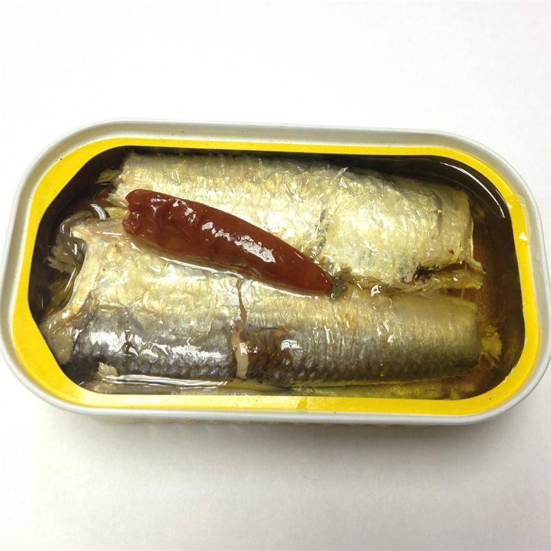 stock canned sardine in oil with chili(125g/90g),canned fish manufatcurer, club can, halal, haccp ce