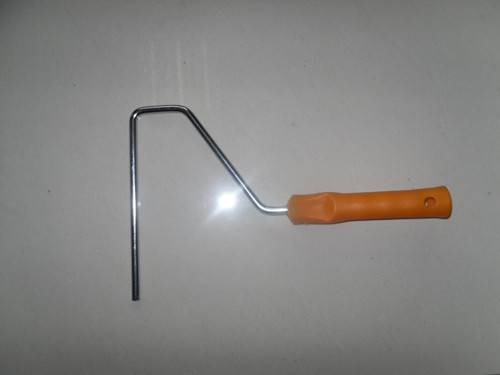 Paint roller frames with plastic handle