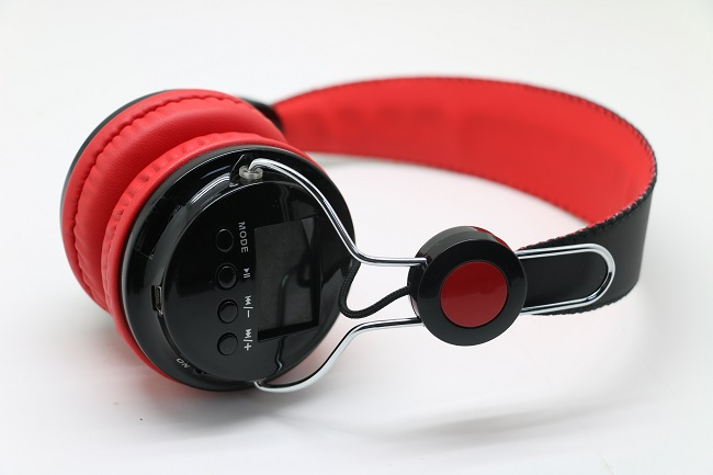 Wireless Bluetooth Headphone with FM Radio and TF Card Support