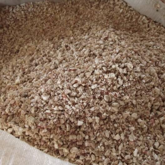 Corncob meal for mushroom cultivation