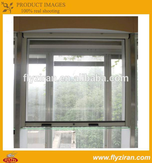 Retractable fly screen roller insect screen