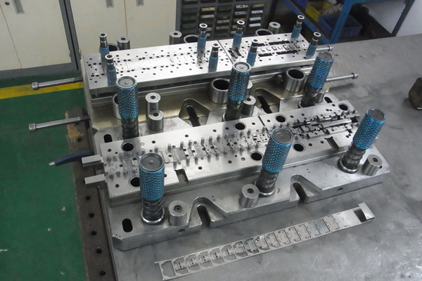 metal stamping parts. progressive die, deep drawing parts, camlock couplings, fastener