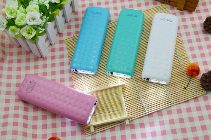 PULLER BRAND POWER BANK  hot portable power bank 8000mAh with LED light