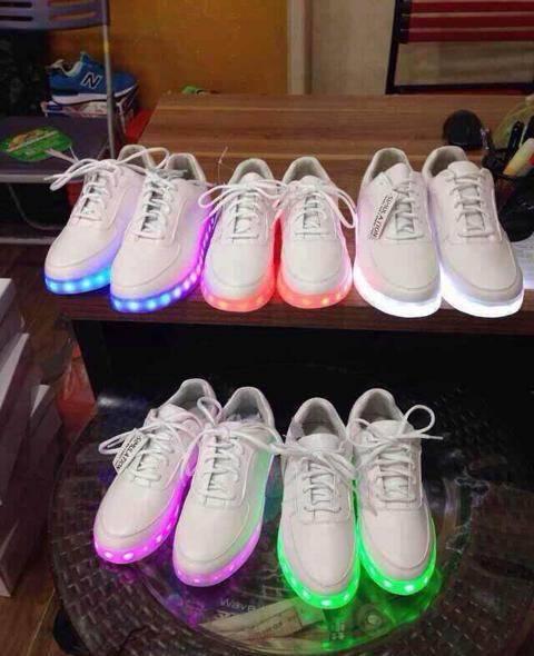 2016 Fashion Sport Running Women LED Light Shoes