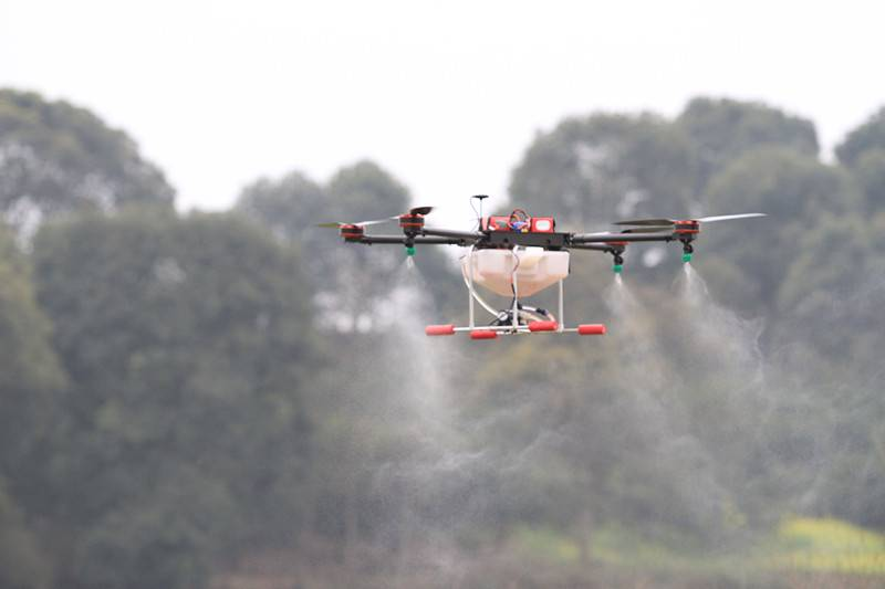 Agriculture UAV drone unmanned agricultural crop spraying, Manned electric multicopters, agricultura