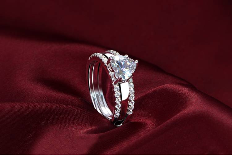 New Coming 316L stainless steel 4 prong setting 6*6 heart main cz stone engagement ring set