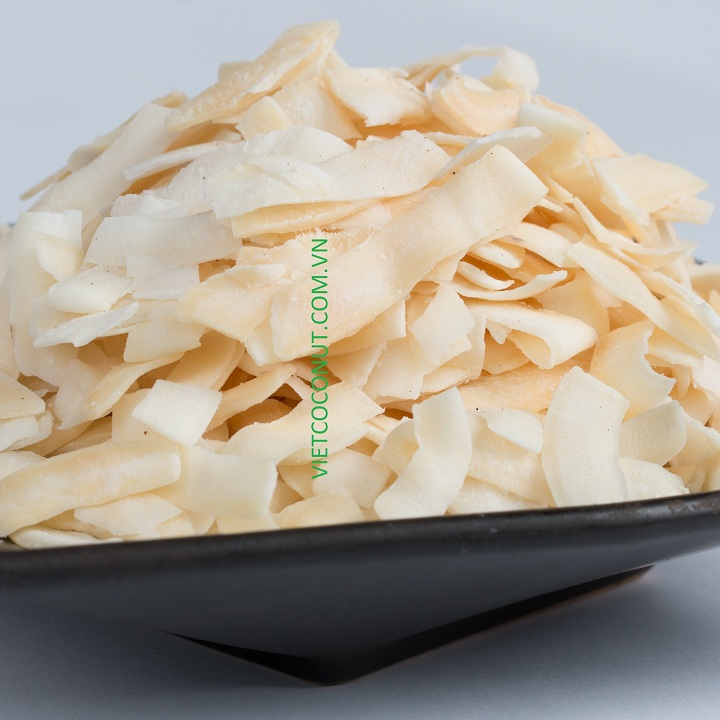 Snack coconut chips