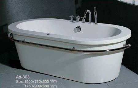 Free-standing acrylic bathtub