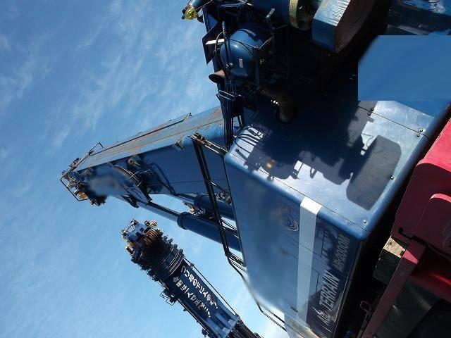 1996 TADANO 200 ton all terrain crane AR-2000M-2 Origin JAPAN Location JAPAN