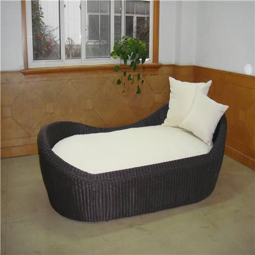 Beach rattan daybed
