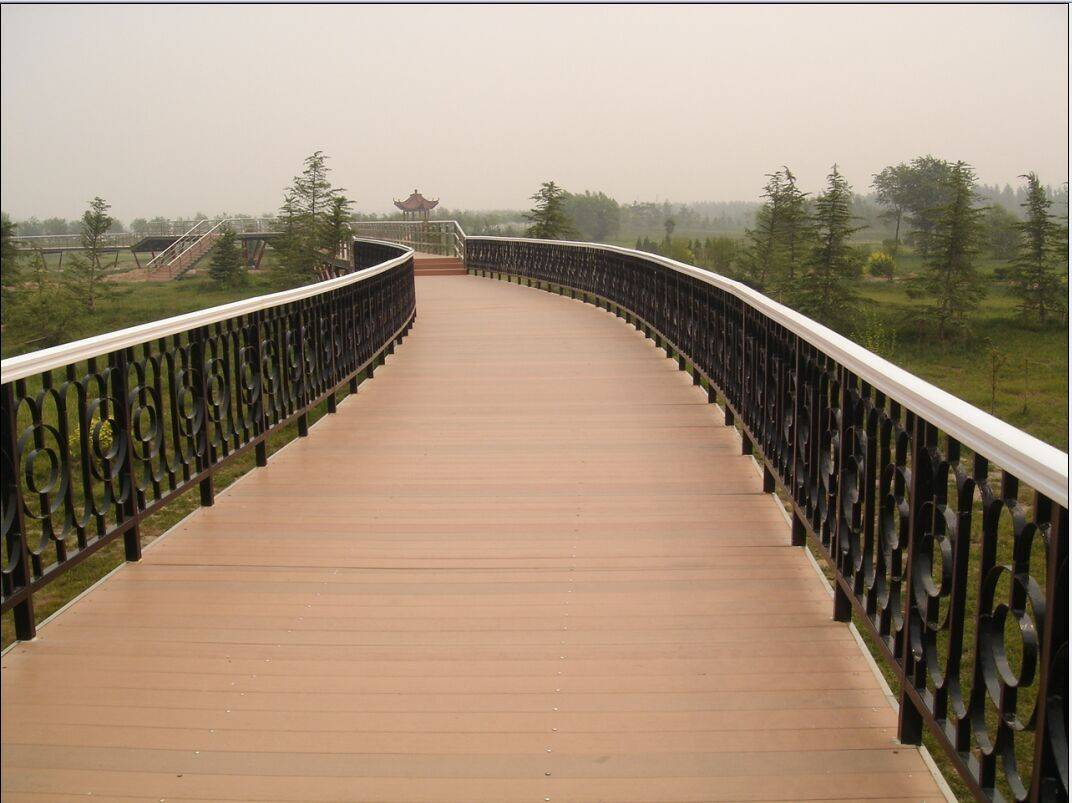 WPC outdoor decking flooring/board /panel/eco friendly