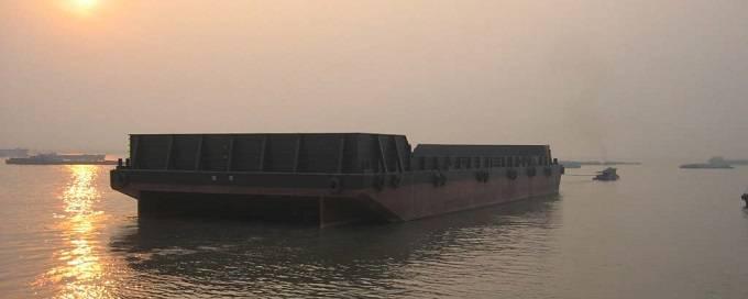 300' X 90' X 18' Deck Cargo Barge