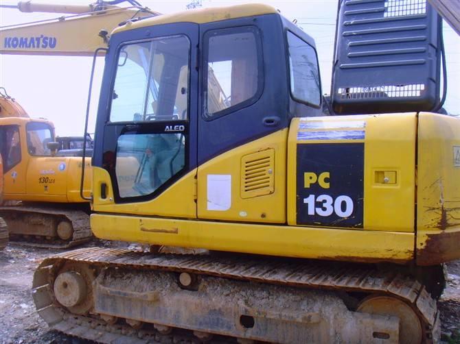 Used Komatsu Hydraulic Excavator PC130-7