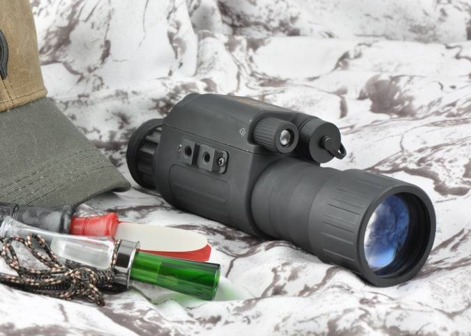 Low cost gen1+ night vision