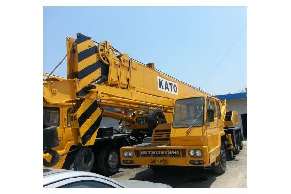 kato 25ton truck crane