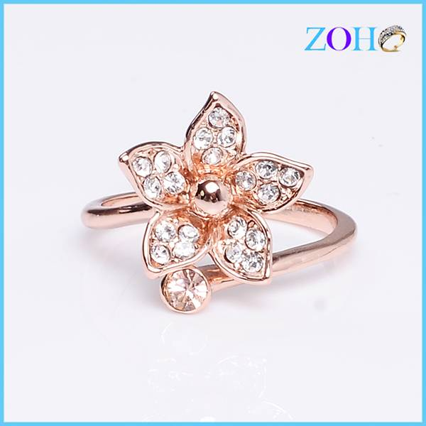 New design  girls metal ring gold plating flower shaped ring shiny rhinestone rings accessories