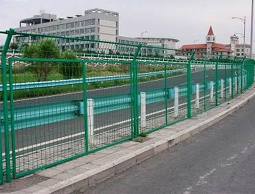 Green Powder sprayed Steel Wire Fence for highway