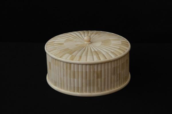 Bone Decorative Crafted Powder Box