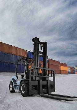 Sell Royal 9.0-10.0ton diesel forklift with original Japanese engine