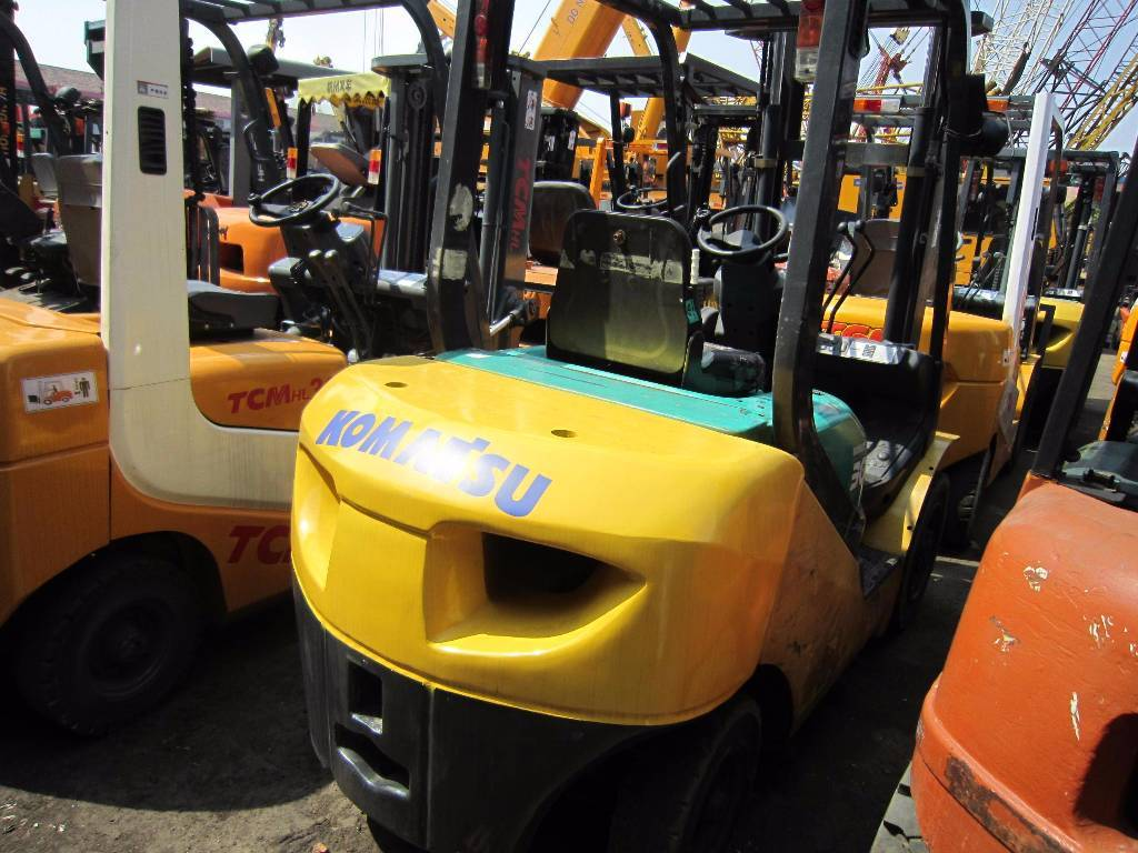 USED FD 30 T-16  3TON KOMATSU FORKLIFT WITH HIGH QUALITY IN LOW PRICE