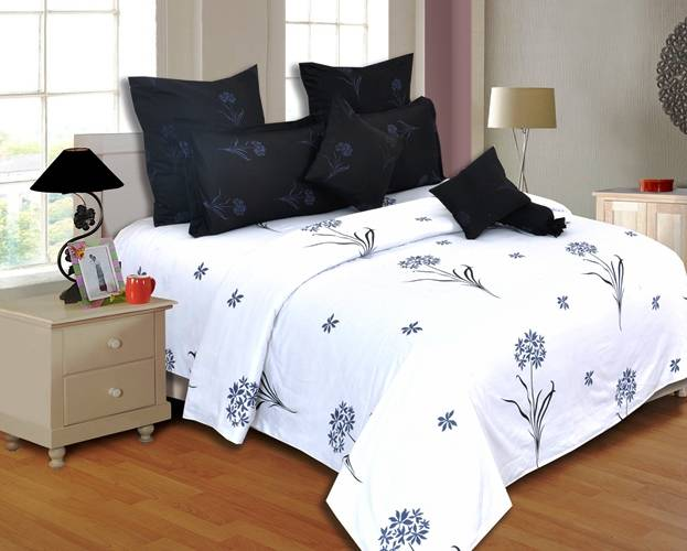 Salona Bichona 100% Satin Double bedsheet with two pillow covers.