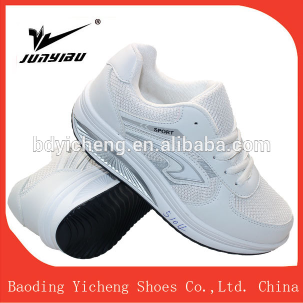 New arrival factory OEM multi color high help running cushion sport shoe white