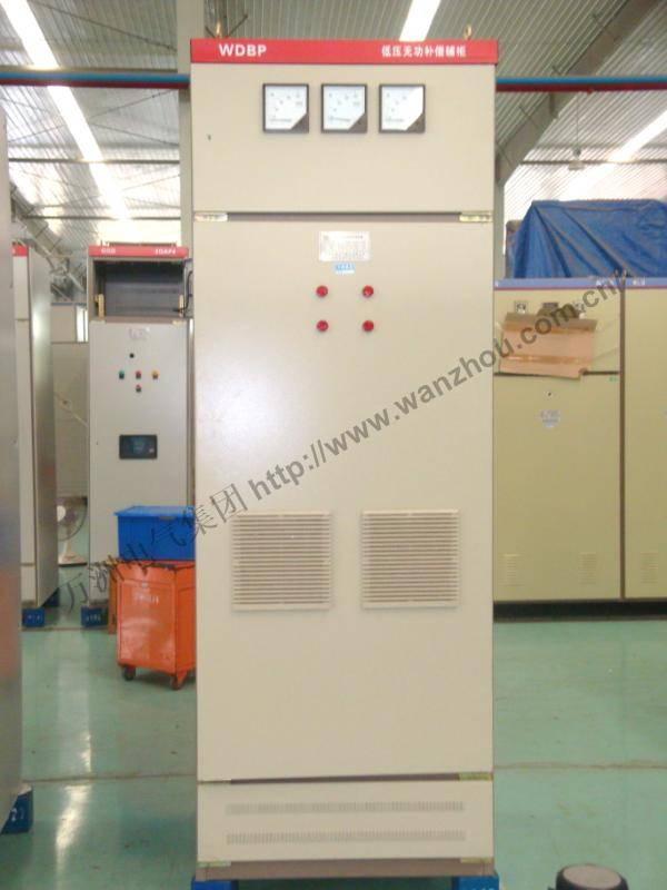 Dynamic low voltage electrical grid reactive power compensation cabinet