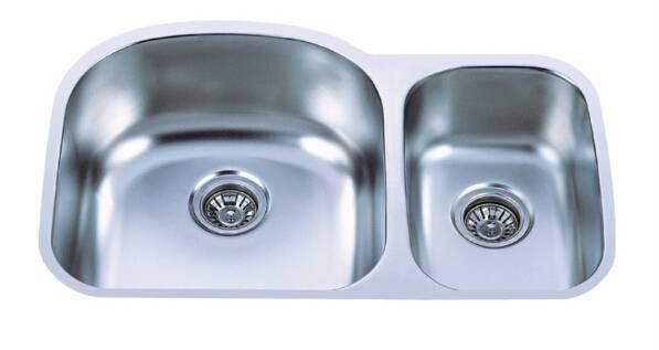 Undermount double bowl sink 70/30