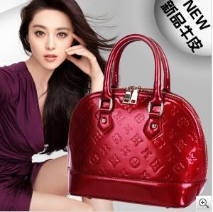 Leather bags of candy color hand the bill of lading shoulder his brand of leather bag