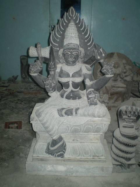 Mariamman statue