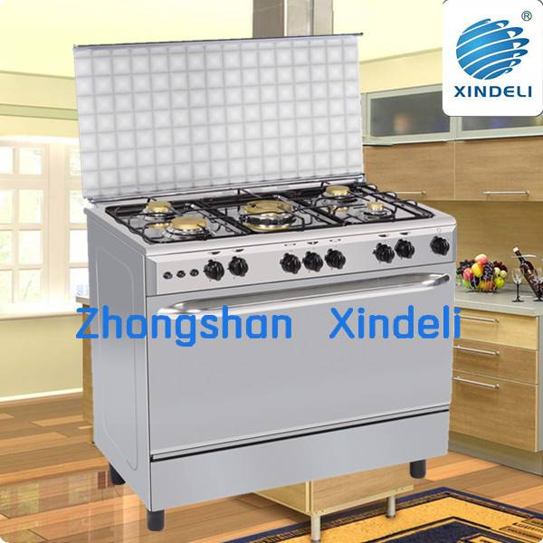 Freestanding cooking range with mirror body